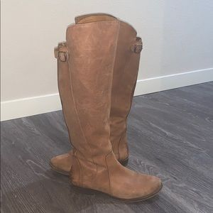 Lucky Brand tan suede leather boots